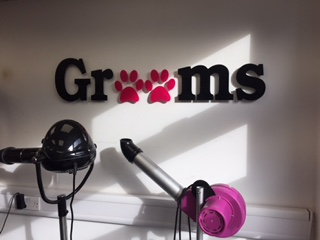 GROOMS Dog Grooming, Theydon Bois